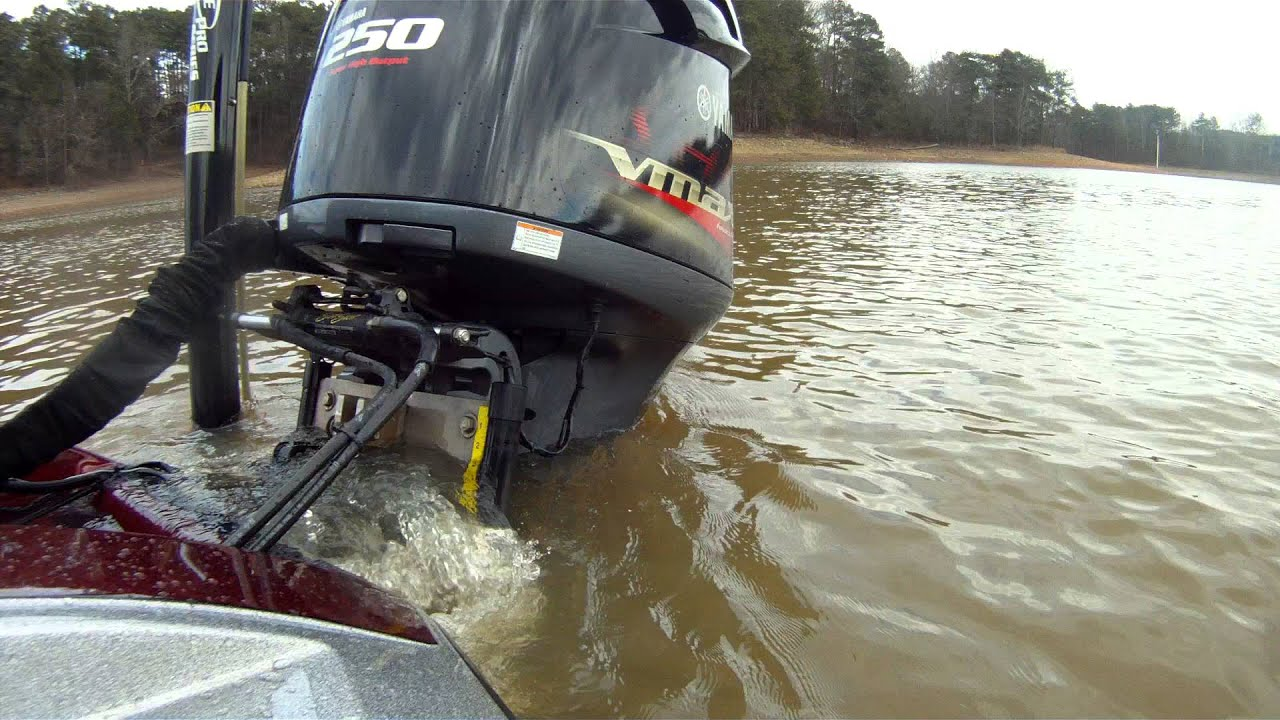 Gopro video test for my bass boat rear outboard motor for Bass boats with evinrude motors