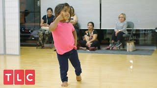 Gambar cover Zoey Shows Off Her Bollywood Dance Moves!  The Little Couple