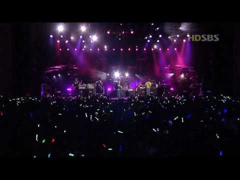 Avril Lavigne - Fall To Pieces [Live in Seoul 2004] HD