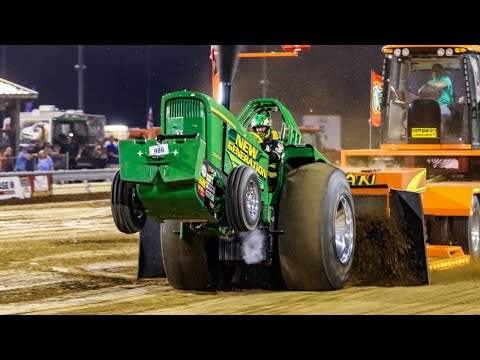 10,000 Pro Stock Tractors Pulling At Benson NC June 2017