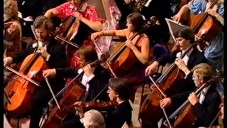 Last Night of the Proms 1985. Vernon Handley conducts the BBC Symph...