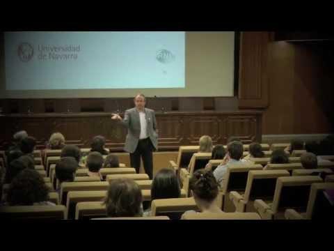 Vicente Ruiz presidente RNB Laboratorios en el ciclo