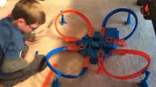 Hot Wheels Criss Cross Crash Madness!