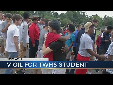 Vigil held for Thomas Worthington high school student