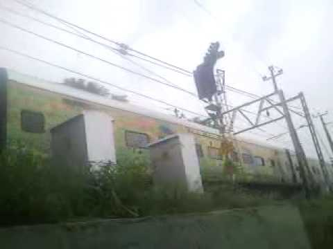duronto from delhi to pune