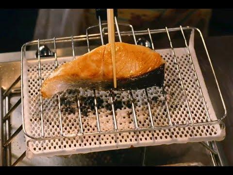 高分美食治愈系电影,日本女孩在欧洲开日本料理店,从没人来到宾客爆满  优质电影解说 电影几何派