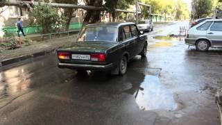 Две коммунальные аварии в Заводском районе Саратова(, 2015-09-16T10:57:26.000Z)