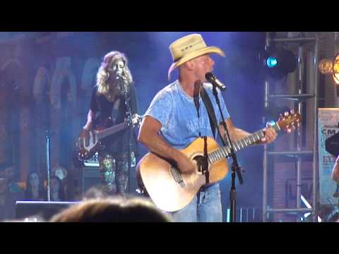 "Kenny Chesney ""American Kids"" (Take 1) at 2015 CMT Music Awards June 9, 2015"