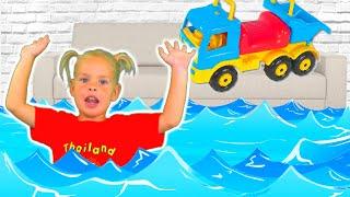 Ева спасает игрушечный грузовик I EVE SAVES TOY TAYO TRUCK I Videos for KIDS