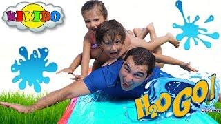Водная горка для детей H2O GO. Катаемся с горки на животиках. Water Slide for kids. Кикидо