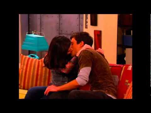 Miranda Cosgrove- Kissing you (iCarly pics)
