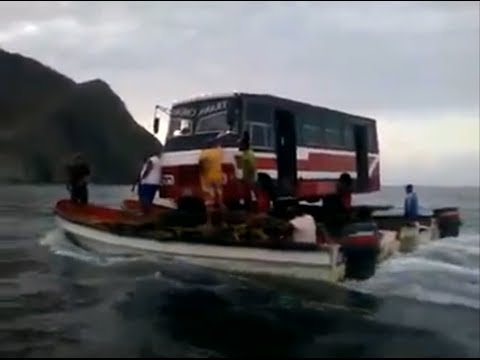 IMPRESIONANTE COMO TRANSPORTAN BUS POR MAR EN VENEZUELA AWESOME HOW TO TRANSPORT BUS BY SEA IN VENEZ