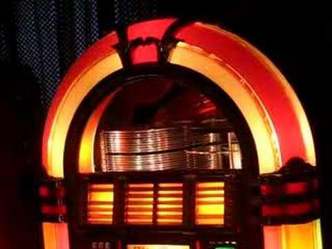 "Wurlitzer 1015 Playing ""Jailhouse Rock"" (The King) - YouTube"