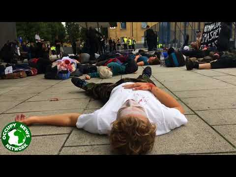 Flashmob Die-in Greets Arms Dealers #StopDSEI Day 8. 11/9/2017