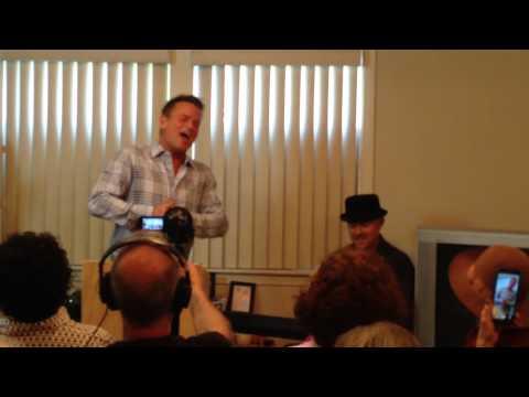 Sam Harris sings his Star Search Winning