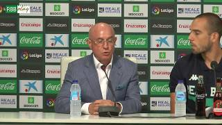 Presentación de Pau López con el Real Betis Balompié