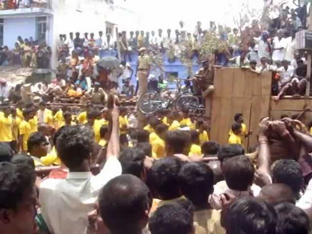 2008 - Pallavarayan Patti Jallikattu Crowd - Near Vaadi Vaasal - Video 5 Travel Video