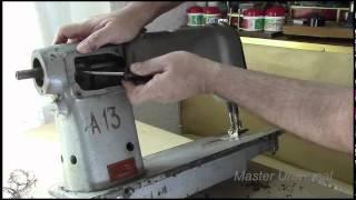 Как поменять зубчатый швейный ремень на машинке 97-А класса.Видео №98.(, 2015-08-28T16:20:48.000Z)