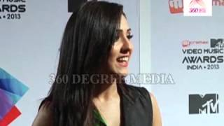 Neeti Mohan Praising A R Rahman at the MTV Video Music Awards India 2013