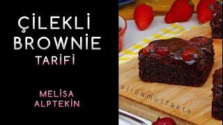 Çilekli Brownie🍓 Dışı kıtır içi yumuşacık brownie'yi çilekle ve çikolata sosuyla buluşturuyoruz🤤