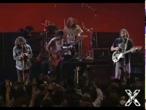 Neil Young & Pearl Jam - Rockin' In The Free World (1993 at the MTV Music Awards)