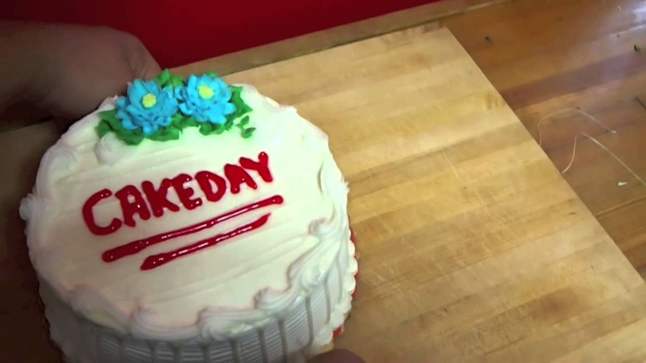 Fastest Way To Cut A Cake - YouTube