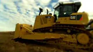 Look at the Cat® D7E Mid-Sized Dozer - Inside and Out