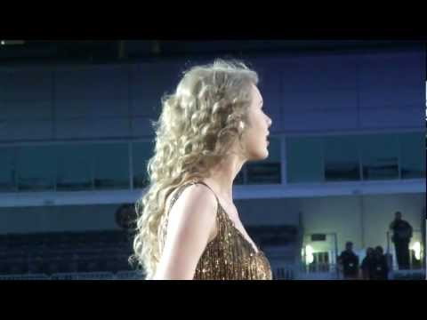Taylor Swift- Sparks Fly HD Front Row
