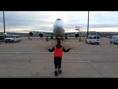 Cargo Ramp Marshalling - Cathay Pacific Cargo - Hong Kong Trader B-LJA O'Hare Airport [05.31.2015]