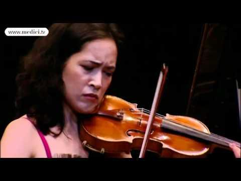 Akiko Suwanai, Viviane Hagner & Yuki Manuela Janke Play Leonard On Period Stradivarius Instruments