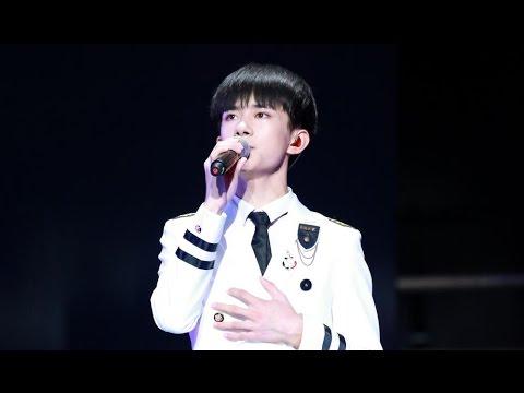 【TFBOYS三周年广州】《样YOUNG》全场大合唱 官方FULL HD【Jackson Yi YangQianXi】