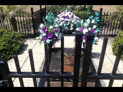 selena-quintanilla-casket