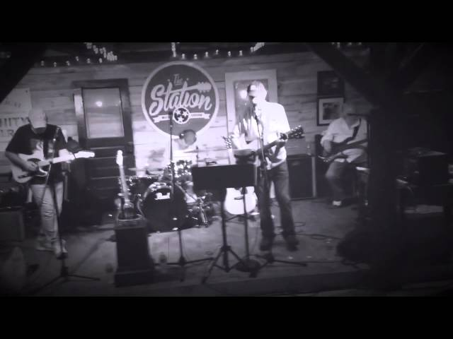 Video clip of Billy Hubbard with the Dixie Rose Band- 'I'm so Lonesome I Could Cry' (cover)
