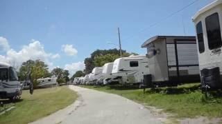 НИЩАЯ АМЕРИКА АВТОДОМ и МОБИЛЬНЫЙ ДОМ жизнь на колесах в США  АвтоТрейлер RV кочевая Америка