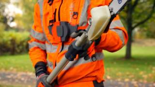 Using a Husqvarna telescopic polesaw