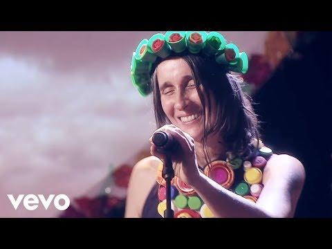 Aterciopelados - Maligno ft. León Larregui