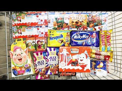 A Lot Of Candy (Киндер Сюрприз Маша и Медведь, Новогодние подарки от Деда Мороза Kinder Maxi Mix)