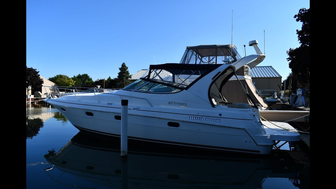 1997 Cruisers Yachts 3375 Express -- SOLD