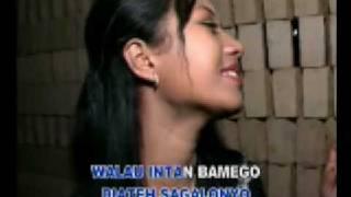 Download lagu minang pop dia camelia