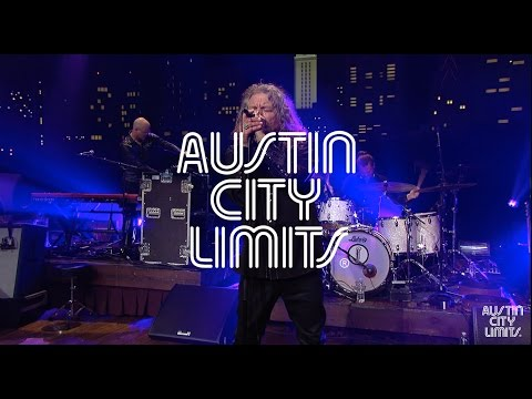 "Robert Plant on Austin City Limits ""I Just Wanna Make Love to You/Whole Lotta Love"""
