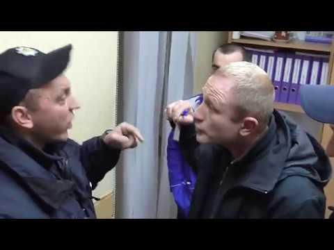 Потасовка охранников АТБ с полицией. Алкоголь несовершеннолетним.