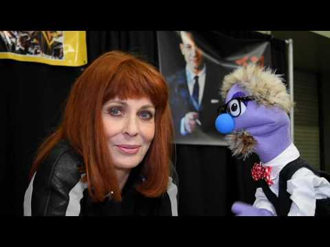 That time actress Joanna Cassidy talked to a puppet at Stan Lee's Los Angeles Comic Con 2016.