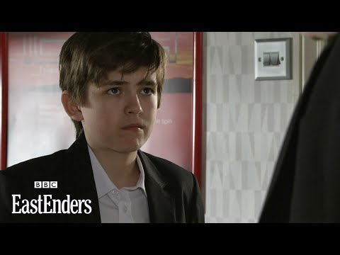 Bobby and Ian Fight | EastEnders