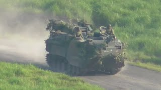 水陸両用装甲車 [ AAV7 ] 陸上自衛隊 水陸機動団 戦闘上陸大隊 偽装を ...