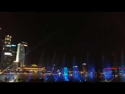 Singapore marina bay waterfront.. its amazing 😍