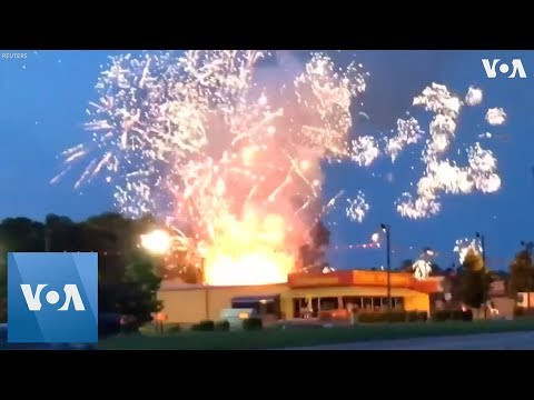 South Carolina Fireworks Store Lights Up on Independence Day