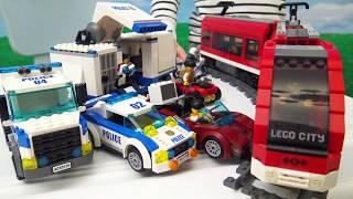 Построили Лего Полицейский участок Ловим преступников Поезд лего сити погоня полиции