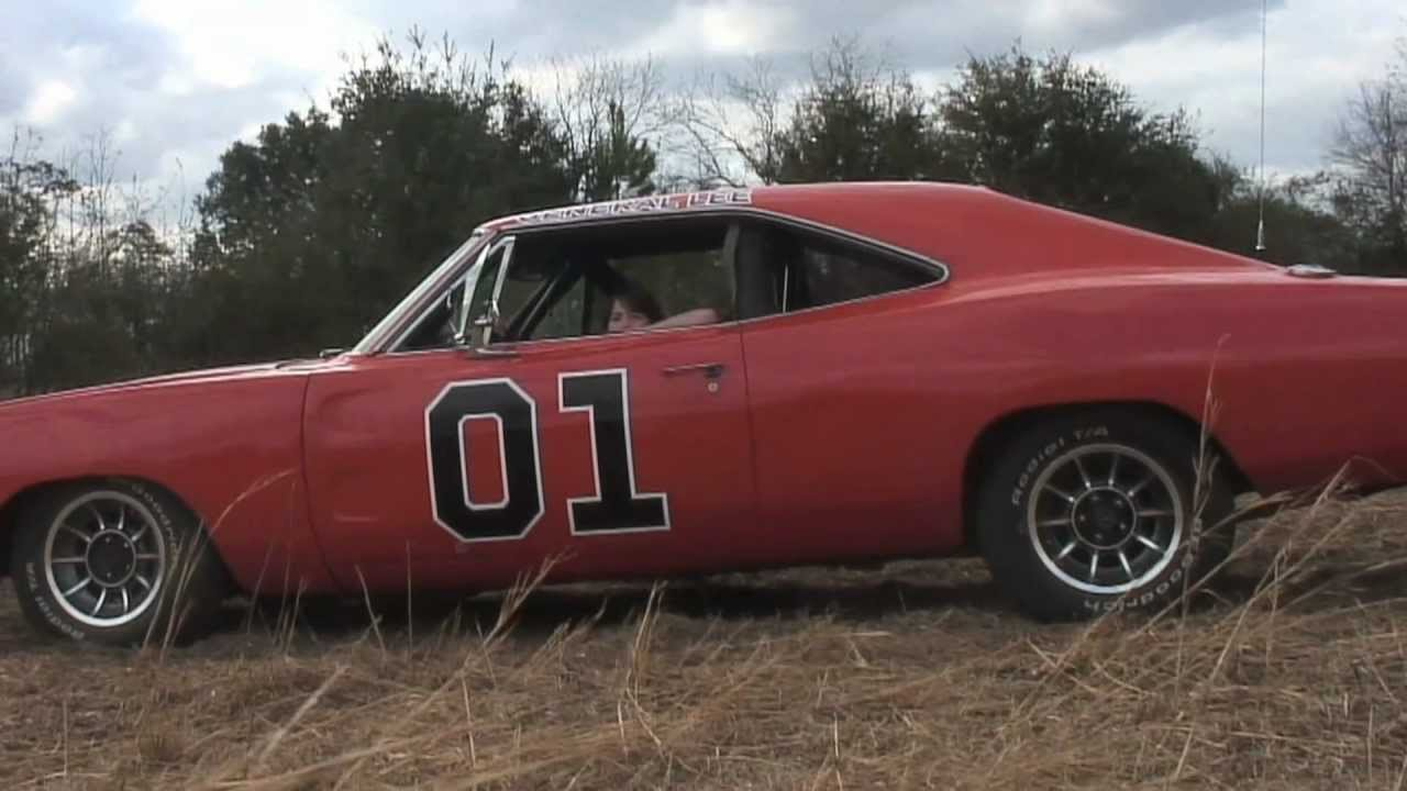 Showing Off A Real Dukes of Hazzard General Lee Stunt Car (Used in ...