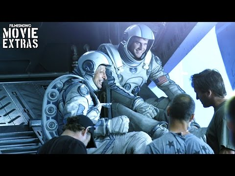 Go behind the Scenes and find out how Independence Day: Resurgence was made (2016)