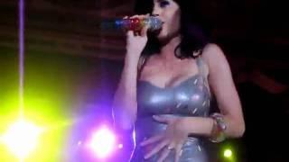 Katy Perry upskirt in skin tight latex dress   480 x 360